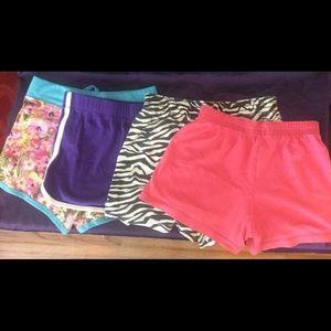 3 Girls shorts